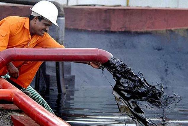 Нефть дешевеет неменее чем на3% нафоне прогноза ОПЕК