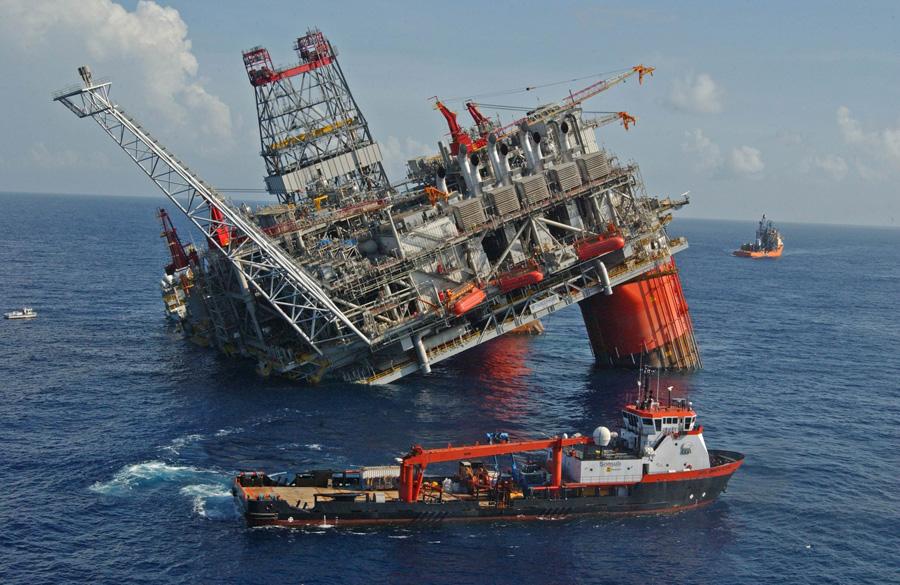 Нефть впервый раз за 5 месяцев подорожала до55 долларов