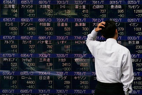 Мировые цены нанефть резко упали