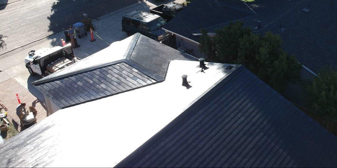 «Солнечные крыши» отTesla: что нужно знать икому повезет