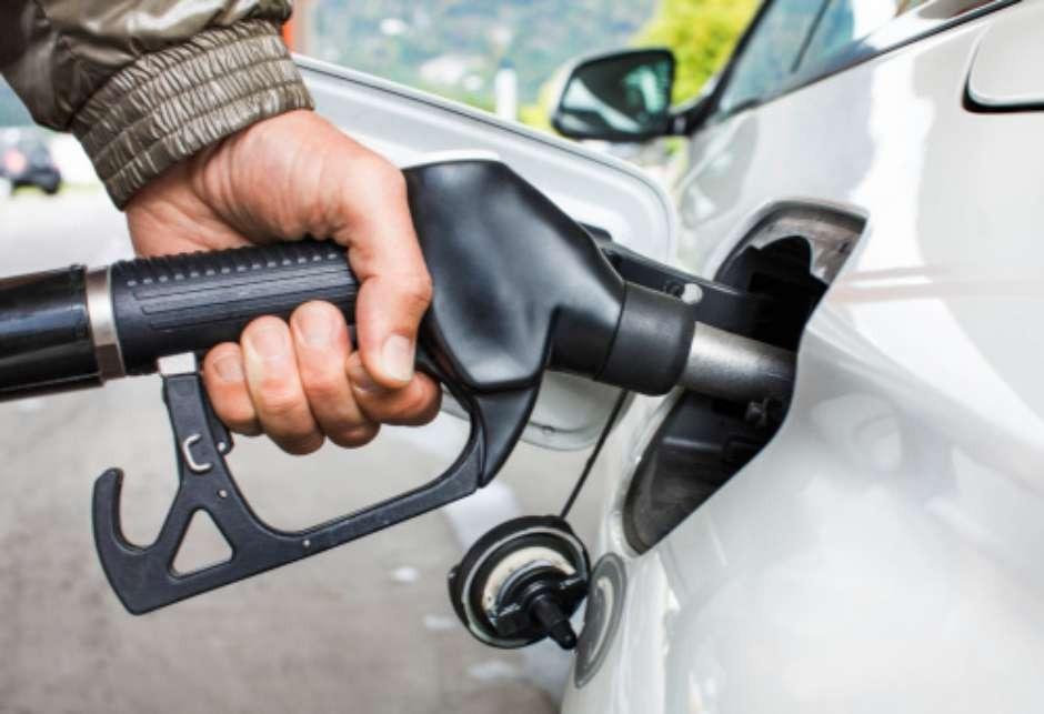 Цена бензина наукраинских АЗС продолжает расти